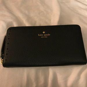 BNWT Black Leather Kate Spade zip around wallet